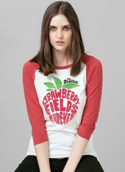 Camiseta Raglan Feminina The Beatles Strawberry Field Forever