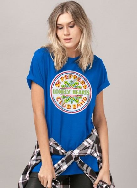 T-Shirt Feminina The Beatles Sgt Pepper´s Club Band And The Lonely Hearts