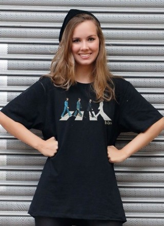 T-Shirt Feminina The Beatles Abbey Road