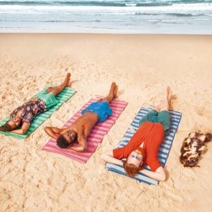 Esteira de Praia Dobrável em Polipropileno 1,80m x 90cm Sortidas Mor