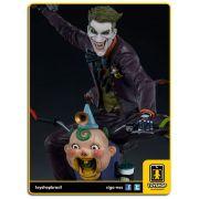 DC Comics The Joker Premium Format - Sideshow Collectibles