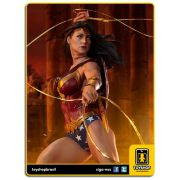 DC Comics: Wonder Woman Premium Format - Sideshow Collectibles