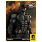 Justice League: Tactical Batsuit Batman - Hot Toys
