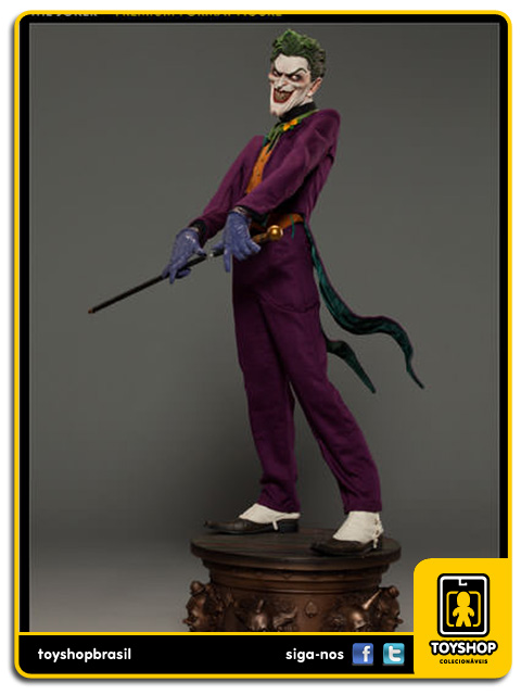 DC Comics: The Joker Premium Format  - Sideshow Collectibles