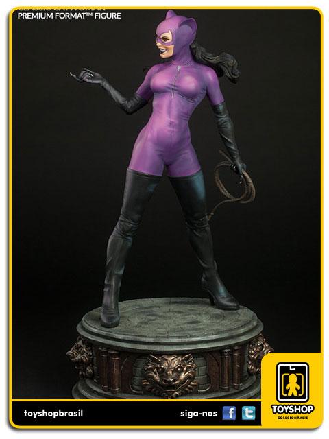 DC Comics: Estátua Classic Catwoman  Premium Format - Sideshow