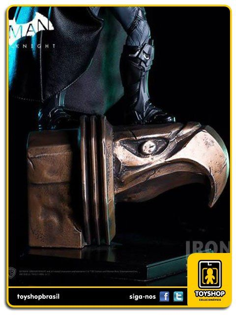 Batman Arkham Knight Batman Deluxe 1/10 Art Scale Iron Studios