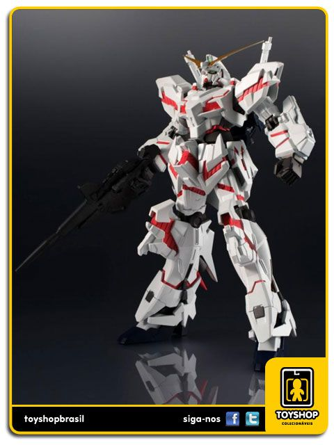 Gundam Universe Unicorn Gundam Bandai
