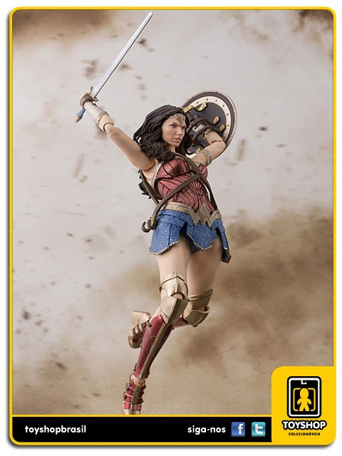Justice League S H Figuarts Wonder Woman Bandai