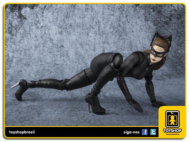 The Dark Knight S H Figuarts Catwoman Bandai