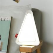 Luminaria LED de Mesa UP4YOU Triangulo Retro Lu18013Up Br 28163