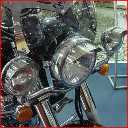 Jogo de Farol Auxiliar Roncar c  Abas + Suporte  Mirage 250 até 2008  - Motorshopp