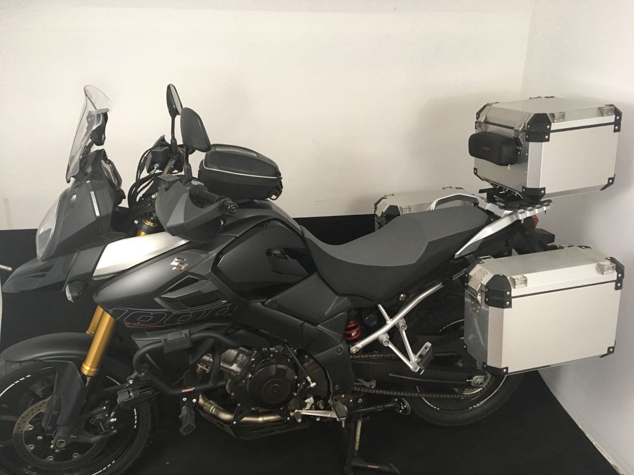 Kit Bauletos 43L V-Strom DL 1000 Aluminio Escovado Bráz