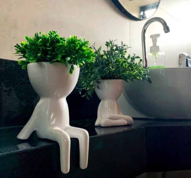 Cachepô de Cerâmica Robert Plant Branco Sentado Relax 15cm - 5797