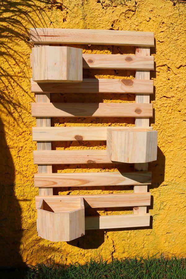 Jardim Vertical 100cm x 60cm com 3 vasos faces de madeira - Cor Natural
