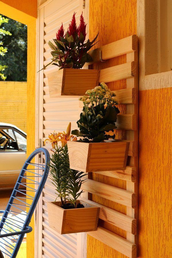 Jardim Vertical 100cm x 60cm com 3 vasos trapézio removíveis de madeira
