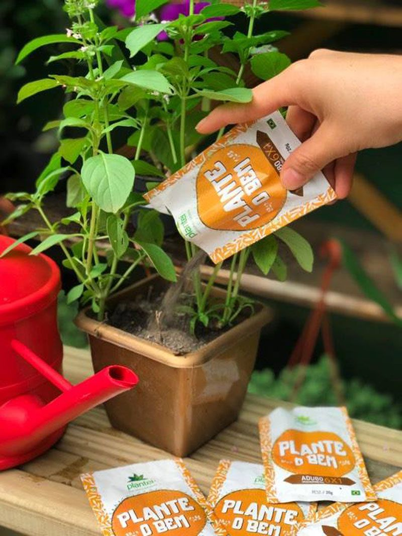 Kit com 10 sachês Adubo Plantei 6X1 sachê 20g - Fertilizante para todos os tipos de cultura