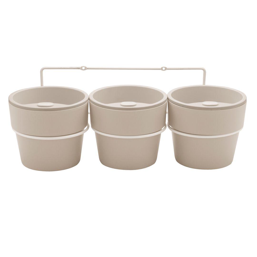 Kit com 3 Vasos Autoirrigáveis Bege com Suporte + Plaquinhas Linha Plantar < Ou >
