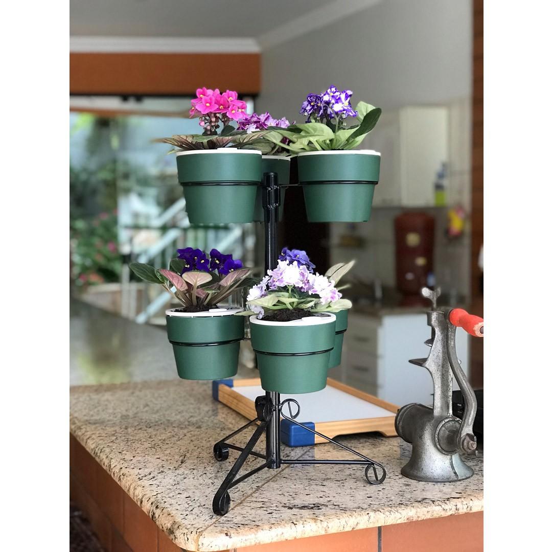 Kit Suporte Preto com 6 Vasos Autoirrigáveis Pequenos Verde Botânico Linha Plantar