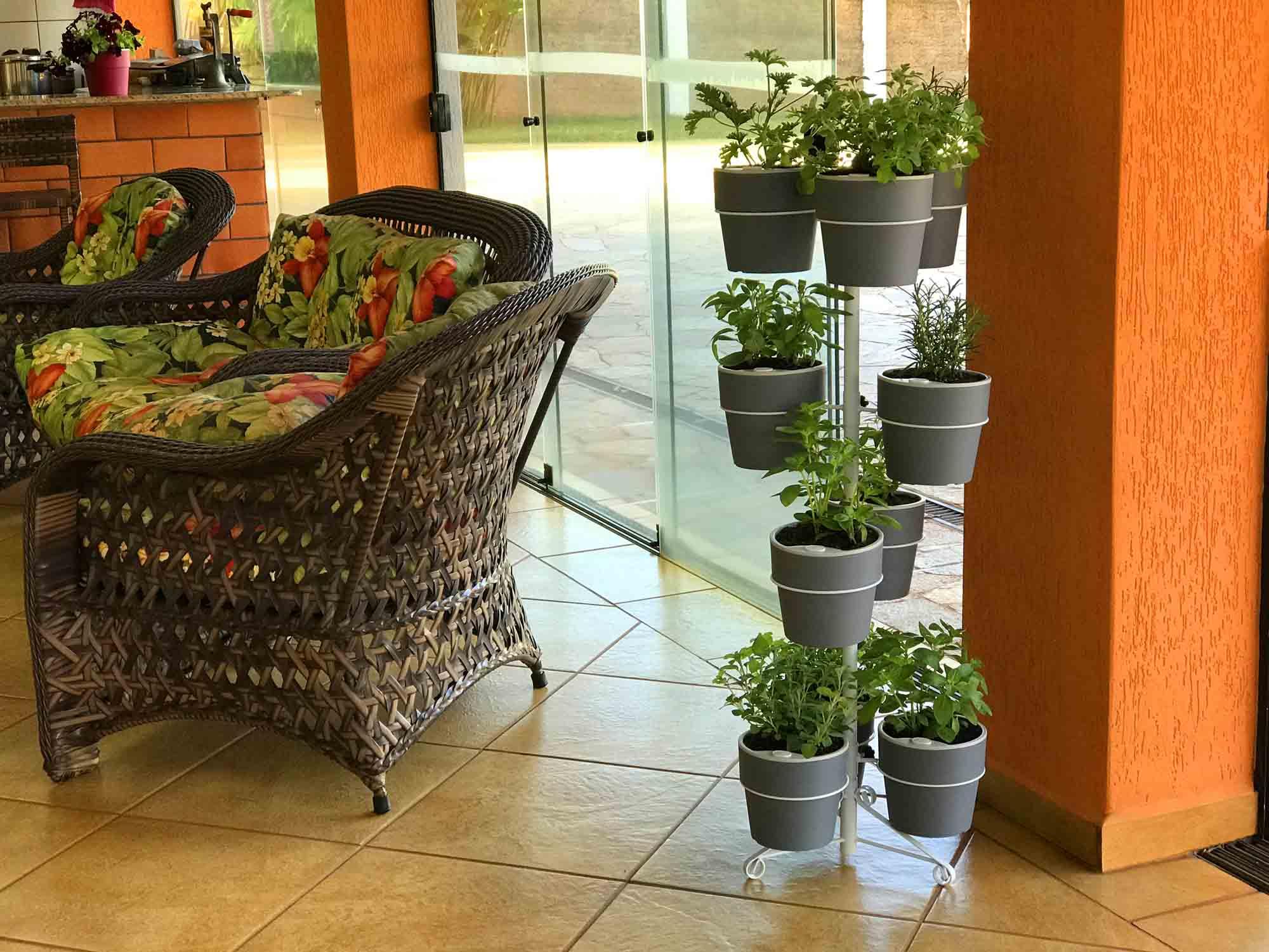 Suporte Branco de chão para 10 Vasos Autoirrigáveis G Linha Plantar (Não acompanha vasos e plantas)