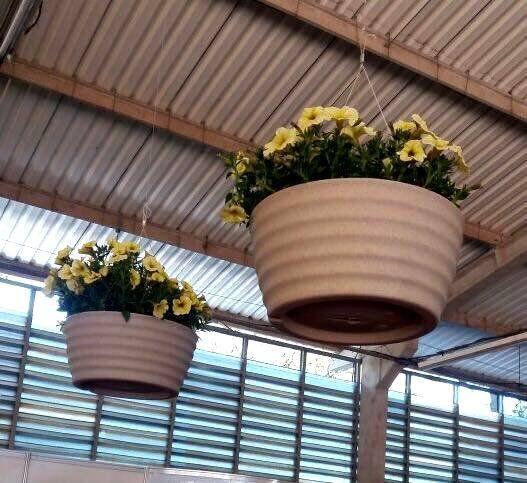 Suporte para Vaso de Planta em Aço Revestido com 3 Ganchos 50cm