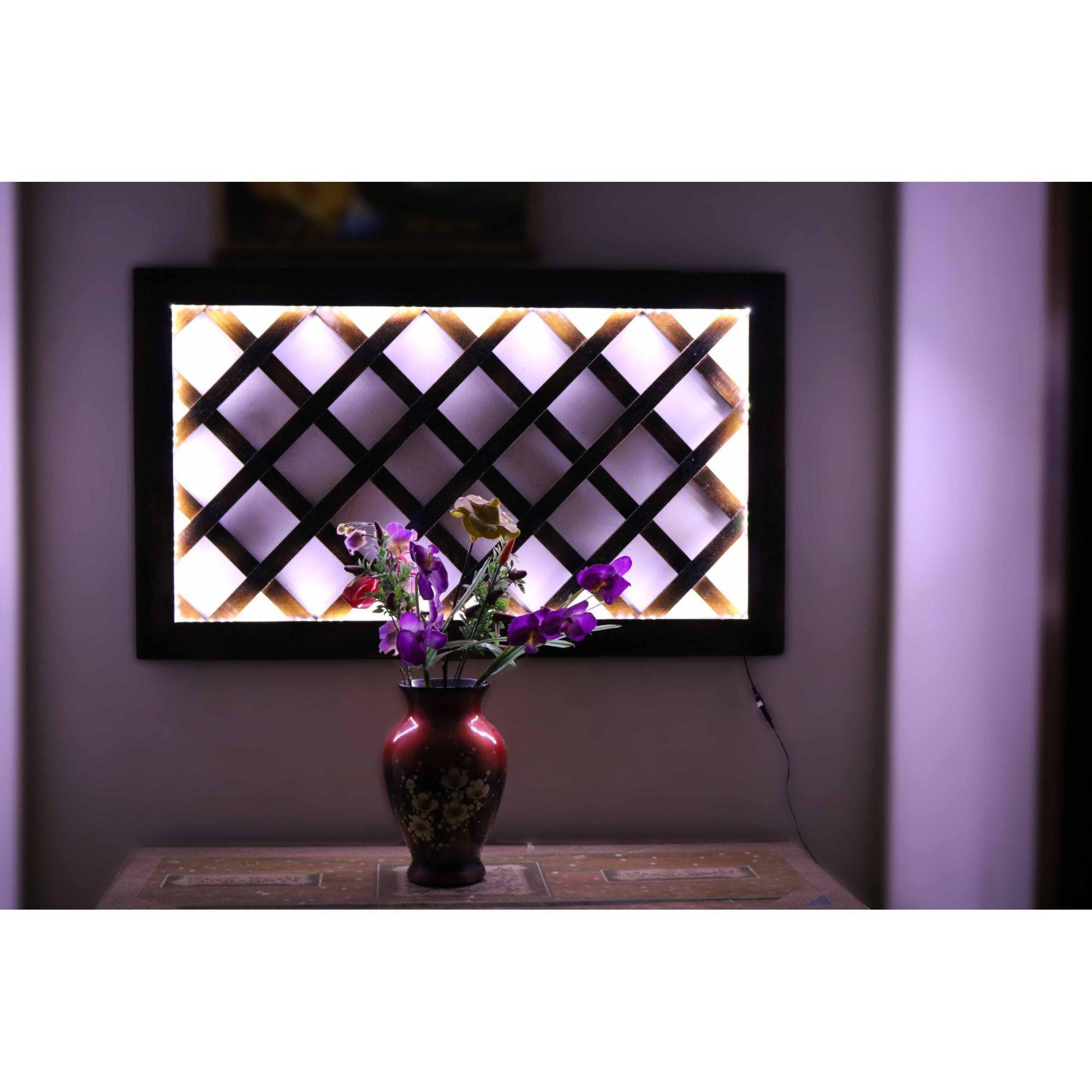 Treliça de Madeira 60cm x 100cm com iluminação decorativa em LED Bivolt