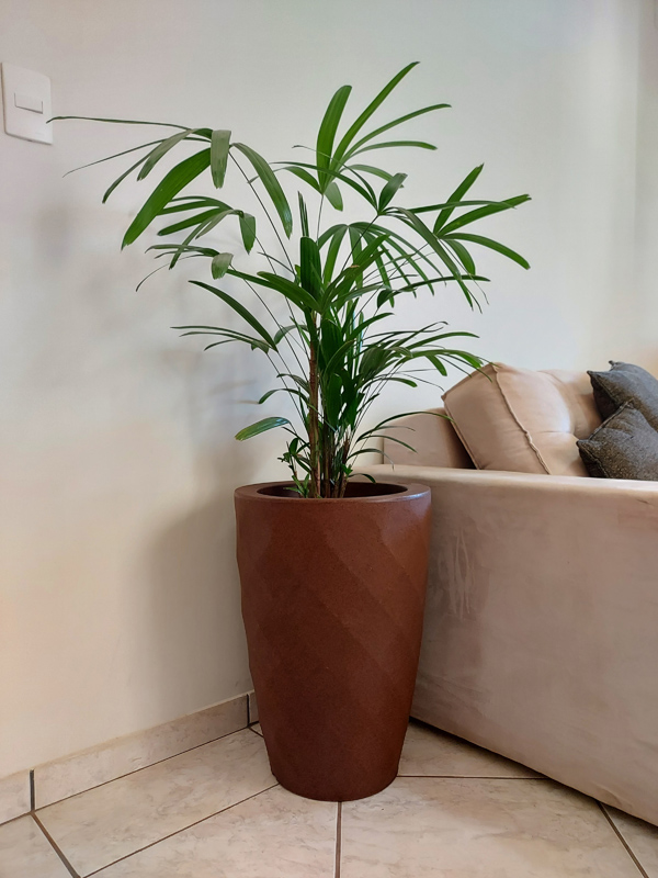 Vaso Safira Cônico Ferrugem 55cm altura x 37,5cm largura