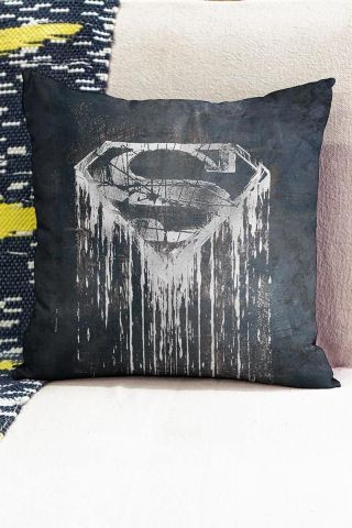 Almofada Superman Steel Melting