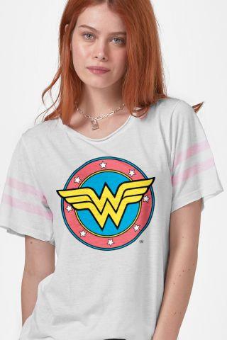 Camiseta Athletic Feminina Mulher Maravilha Logo Retrô