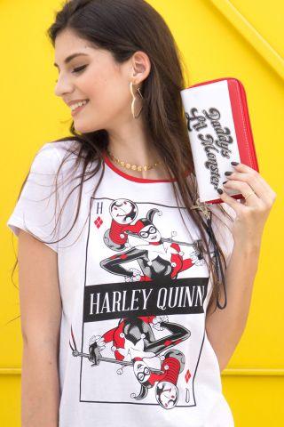 Camiseta Feminina Harley Quinn Danger Card