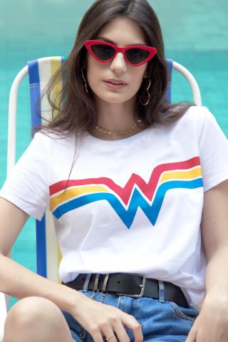 Camiseta Feminina Mulher Maravilha Power Logo