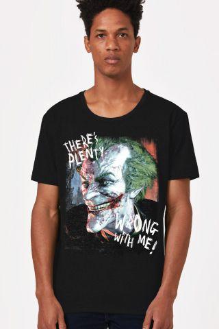 Camiseta Masculina Coringa Há Algo Errado!