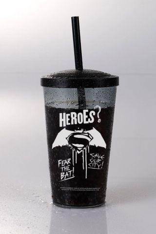 Copo Acrílico Fumê Batman VS Superman Heroes?