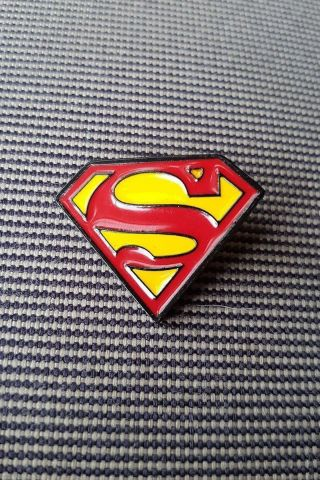 Pin de Metal Superman Logo