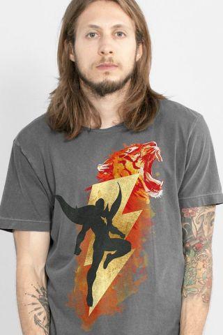 T-shirt Premium Masculina Shazam Tawky Tawny