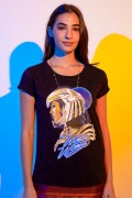 Camiseta Feminina Mulher Maravilha 1984 Armadura