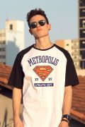 Camiseta Raglan Masculina Superman Metropolis