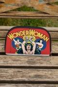 Necessaire Wonder Woman Em Ação