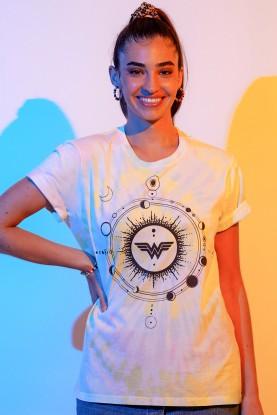 T-shirt Feminina Mulher Maravilha 1984 Constelação