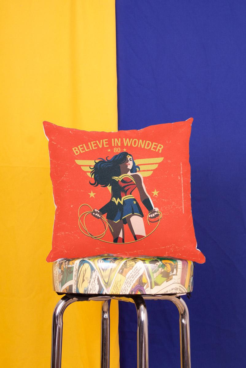 Almofada Mulher Maravilha Believe In Wonder