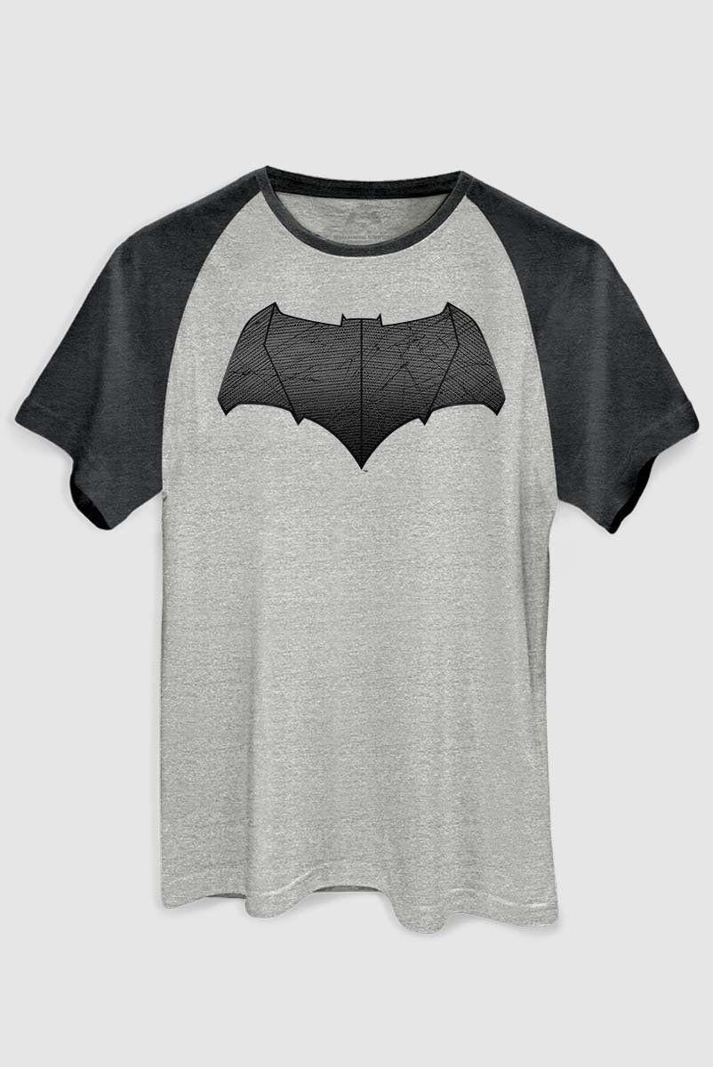 não utilizar Camiseta Raglan Premium Masculina Batman VS Superman Logo Batman