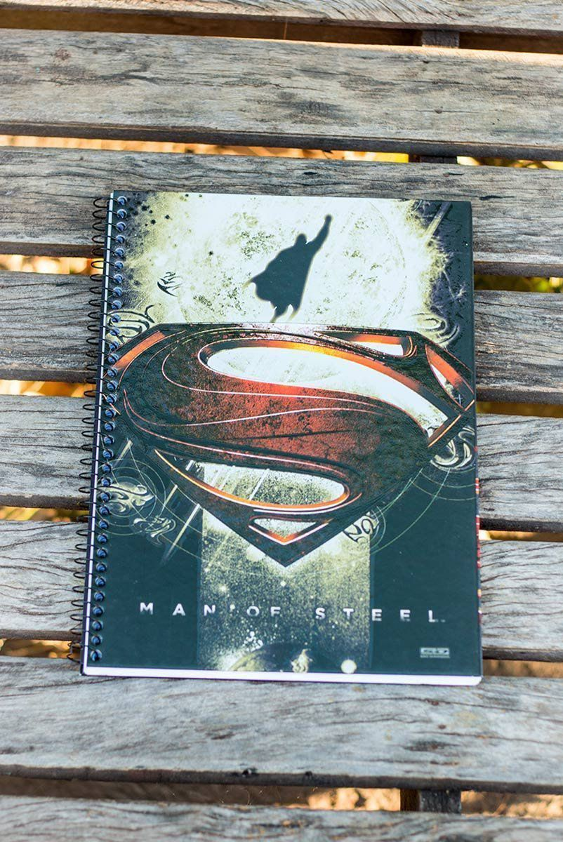 Caderno Superman Flying 1 Matéria