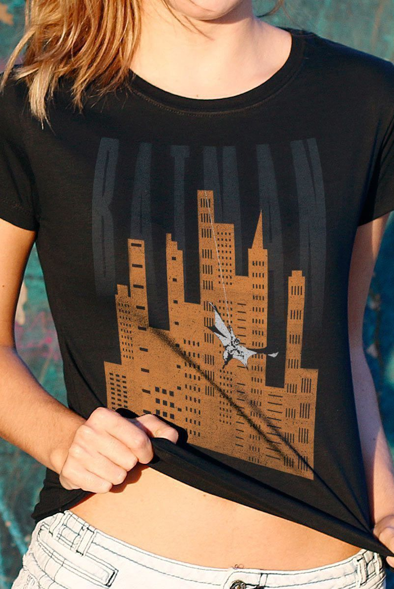 Camiseta Feminina Batman In Gotham City