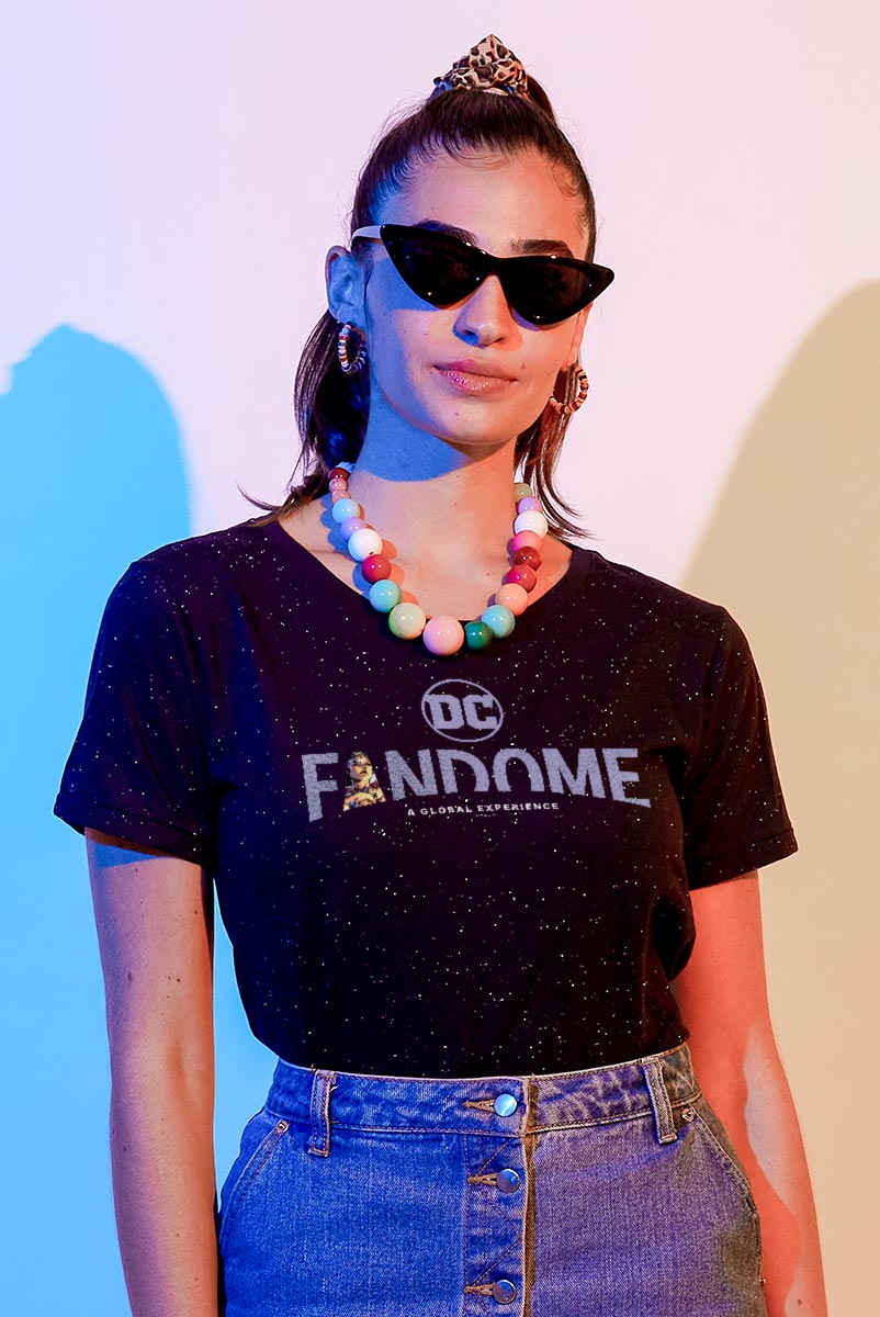 Camiseta Feminina Fandome Logo Mulher Maravilha