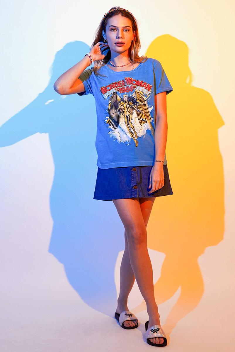 Camiseta Feminina Mulher Maravilha 1984 Armadura Dourada