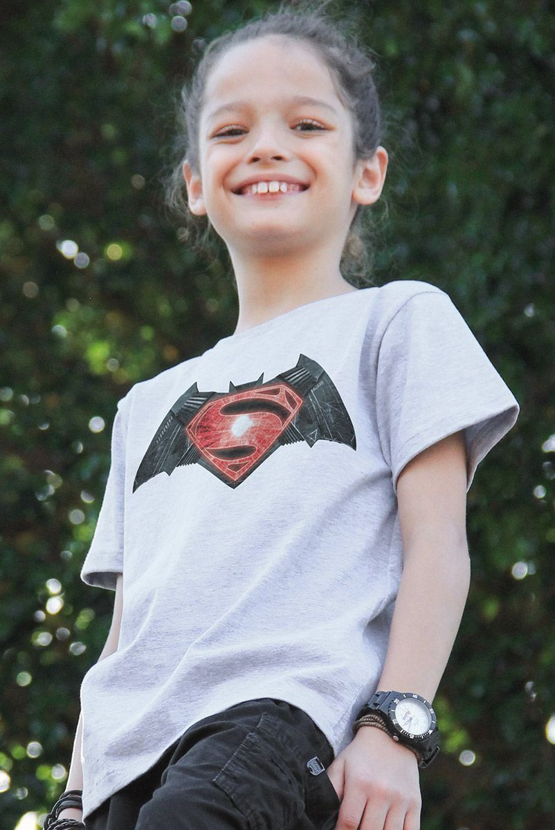 Camiseta Infantil Batman Vs Superman Logo