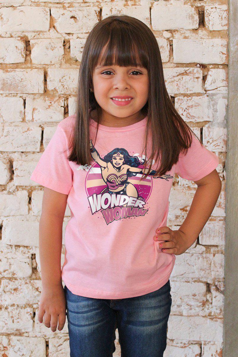 Camiseta Infantil Mulher Maravilha Em Ação
