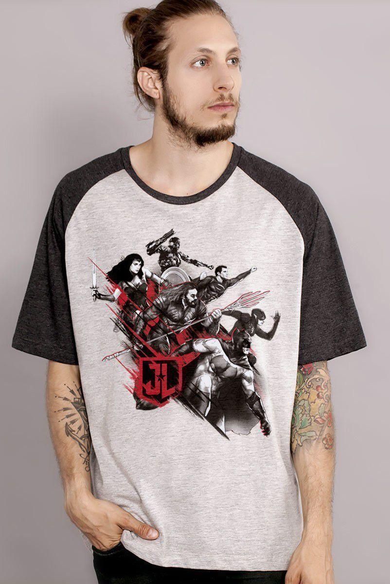 Camiseta Raglan Masculina Liga da Justiça Let's Fight