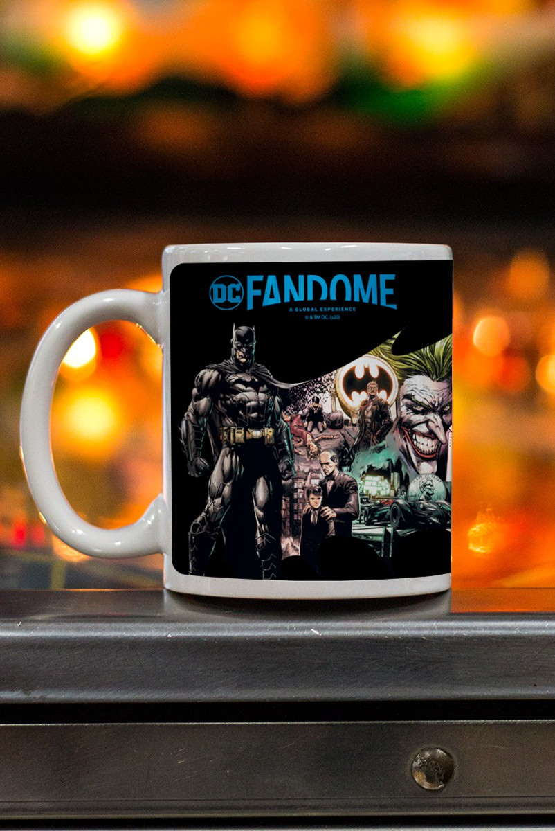 Caneca Fandome Batman Universo