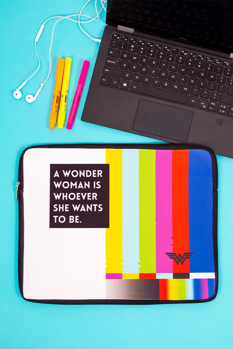 Capa de Notebook Wonder Woman Is Whoever She Wants To Be