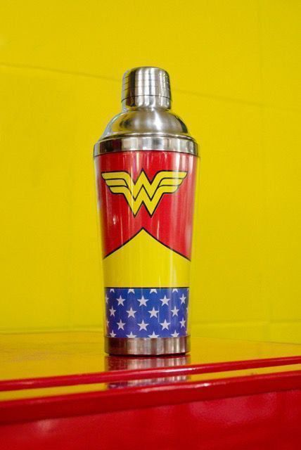 Coqueteleira Wonder Woman Body Customs